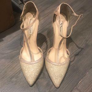 Nina gold shimmer heels!